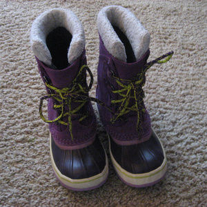 L.L. Bean Kid's Size 2 Purple Duck Boot